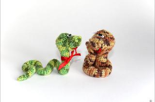 Змейки вязаные