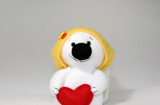 Белый полярный Мишка