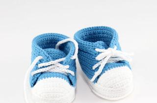 Вязаные кеды и ботиночки для малышей
