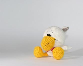 Пеликан большеголовый