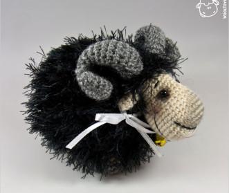 Бяшка-барашка черный