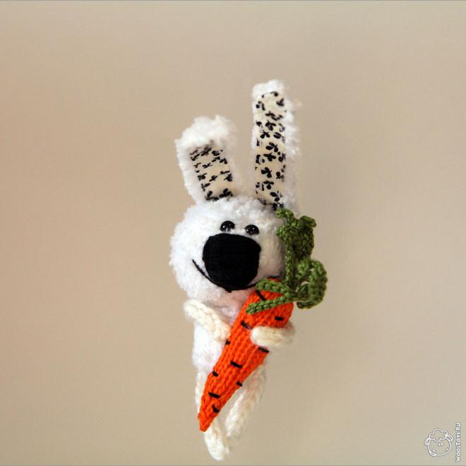 Заяц-брошь